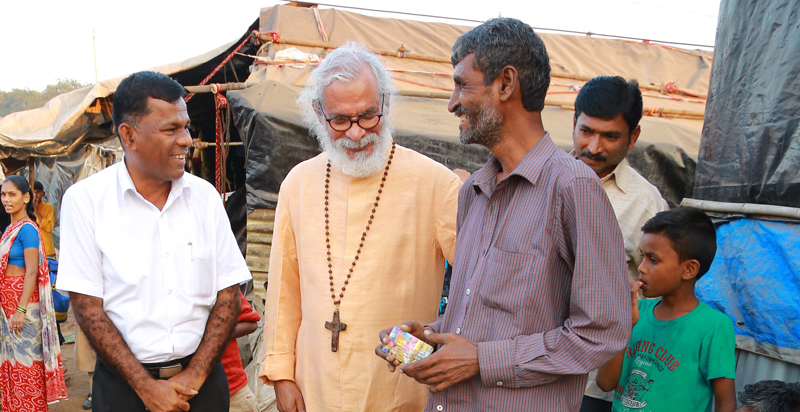 KP Yohannan visits Mumbai slums and Pastor Marty ministry in 2018