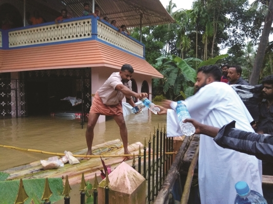 GFA-supported workers provided food and water to those affected by the floods in Kerala, India.