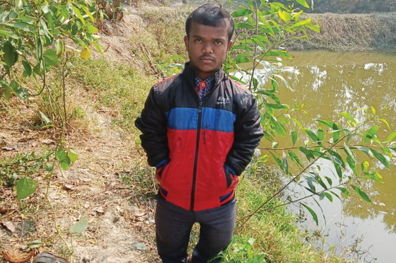 GFA-supported worker Sinhal received a warm winter jacket at a GFA-supported gift distrubtion, enabling him to minister in all kinds of weather without falling ill.