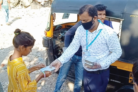 Believers from Pastor Tarik's and Pastor Marty's congregations provided urgently needed relief, in the form of prepared meals, dry goods and masks, to homeless people, street children and families stuck at home