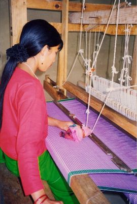 The women of Manipur make a lot of their own clothing and ceremonial dresses by hand-looming. Each Manipur tribe is known for the colors of its shawls.